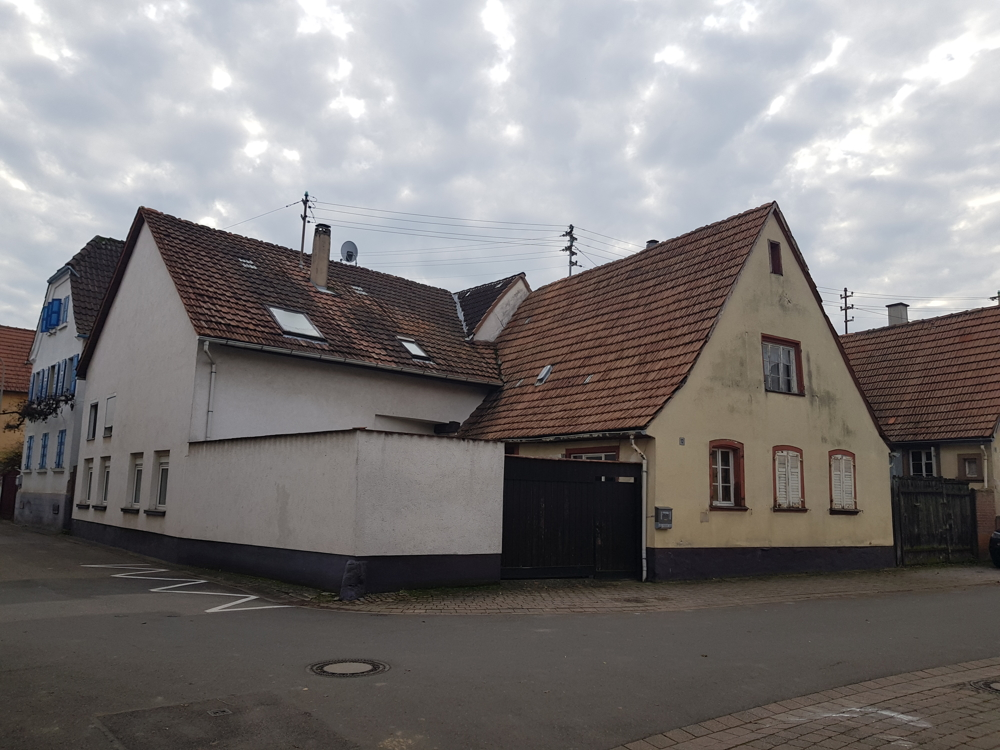 """""""Abriss- oder Handwerkerhaus"""" in Mörzheim"""